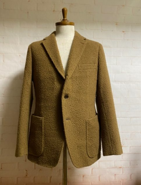 カセンティーノの生地のジャケット